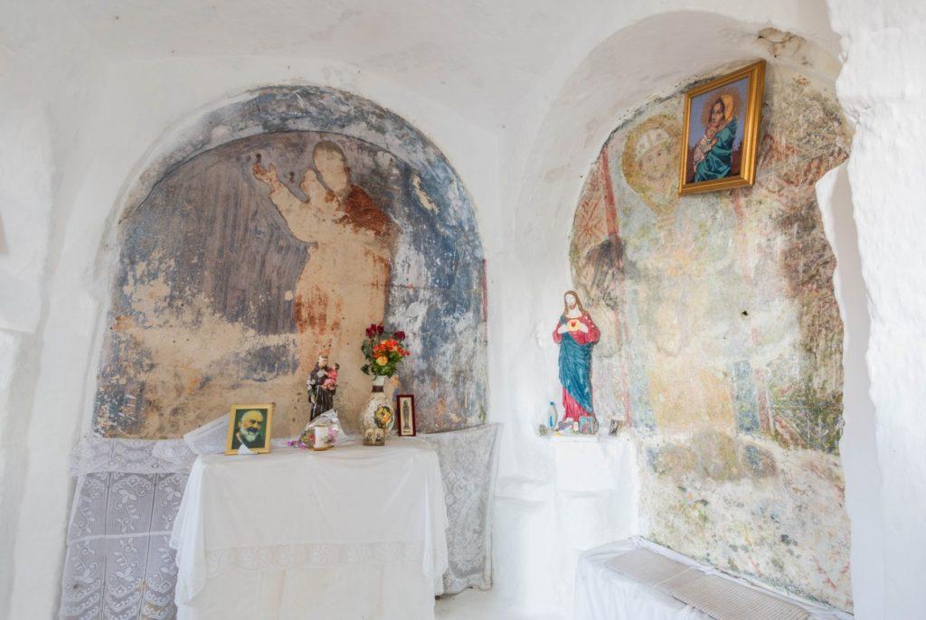 altare e affreschi madonna sette lampade